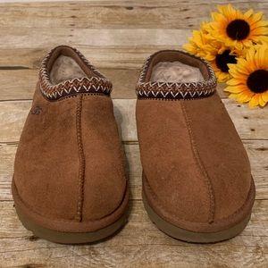 UGG Shoes - Ugg Tamsam Slipper in Chestnut. Size 9